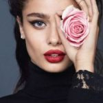 best-celebrity-eyebrows-taylor-hill