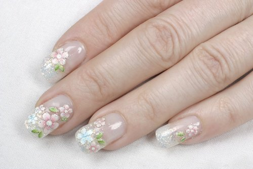 Why acrylic nails are so popular