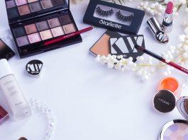 Everything a Makeup Vanity Set Should Have